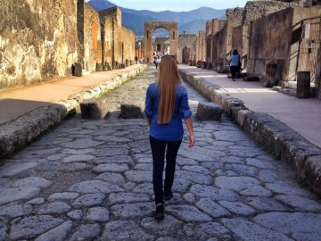 pompei walking